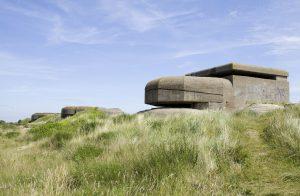 De meeste opengestelde bunkers bevinden zich aan de kust. Dit was tijdens de Tweede Wereldoorlog de Duitse 'Atlantikwall'.
